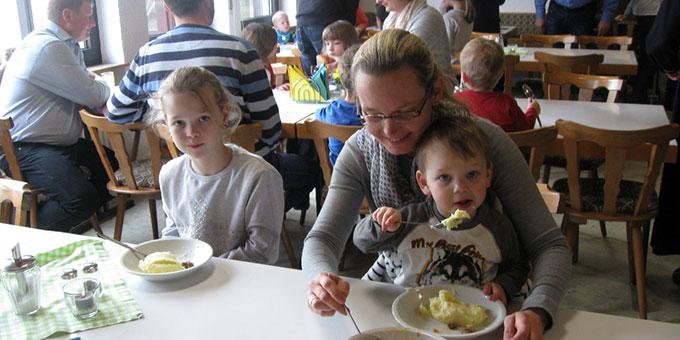 Familien-Lunch im SChönstatt-Zentrum Waldstetten, Höpfingen (Foto: Tremel)