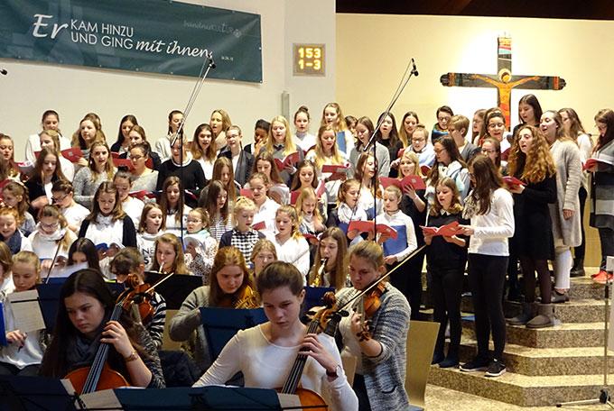Chor und Orchester wirkten hervorragend zusammen (Foto: SMS)