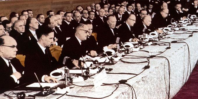 Ein entscheidender Schritt zur Versöhnung auf dem europäischen Kontinent: Die Unterschriften unter die Römischen Verträge werden geleistet  (Foto: Archiv)