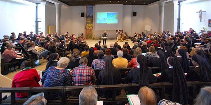 Plenumsversammlung der Delegiertentagung 2017 im Saal des Pater-Kentenich-Hauses (Foto: Brehm)