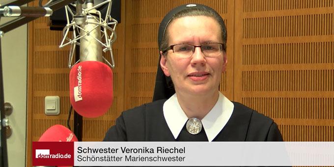 Sr. M. Veronika Riechel spricht die Fastenimpulse bei domradio.de (Screenshot: domradio.de)