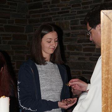 Feier in der Anbetungskirche (Foto: Ulrike Weiß)