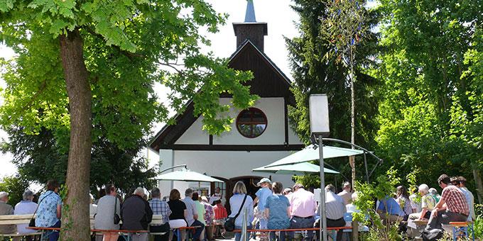 Rund um diese Schönstatt-Kapelle gibt es ein reges Leben (Foto: Schick)