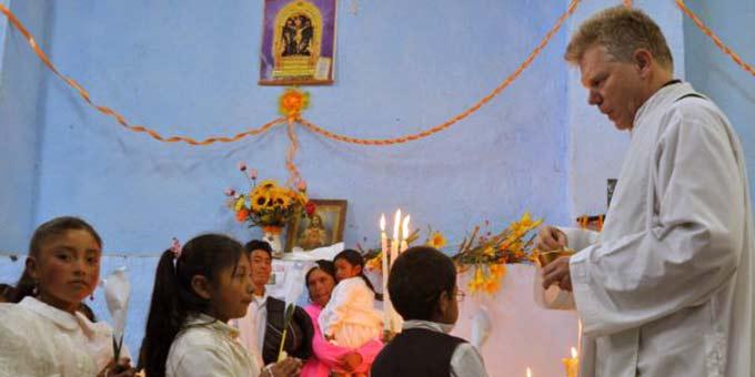 Erstkommunionfeier in der Erzdiözese Trujillo (Foto: Robert Eberle, Erzbistum Freiburg)