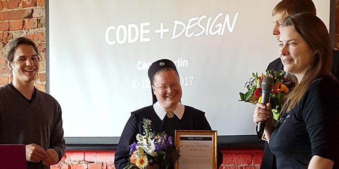 Schwester Christamaria Brück wird ausgezeichnet als beste Informatiklehrerin (Foto: s-ms)