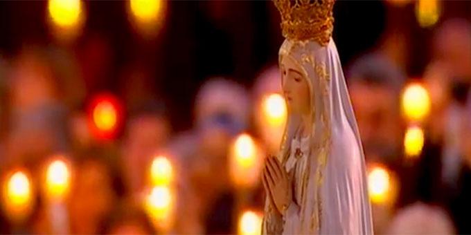 Fatima Madonna bei der Prozession (Foto: MaedaBondadeTV)