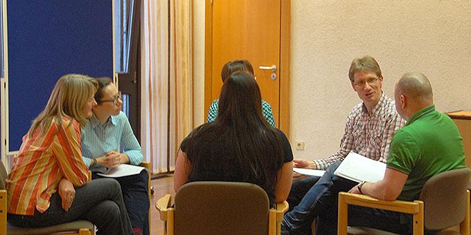 Fernlehrgang Schönstatt: zum Beginn Arbeit in Gruppen (Foto: Brehm)