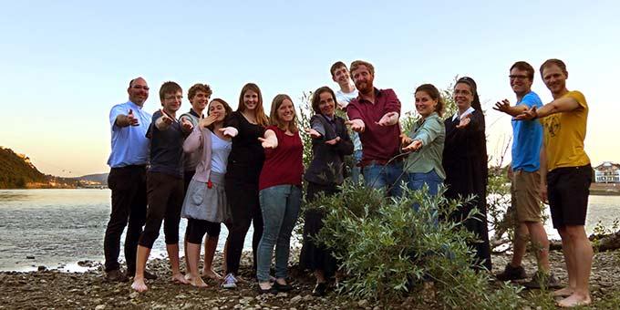 Ein Gruppenbild des NdH-Kernteams, aufgenommen auf der Rheininsel Niederwerth (Foto: Matt)
