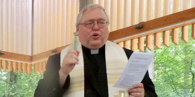 Pfarrer Bernhard Henneke (Foto: Windoffer)