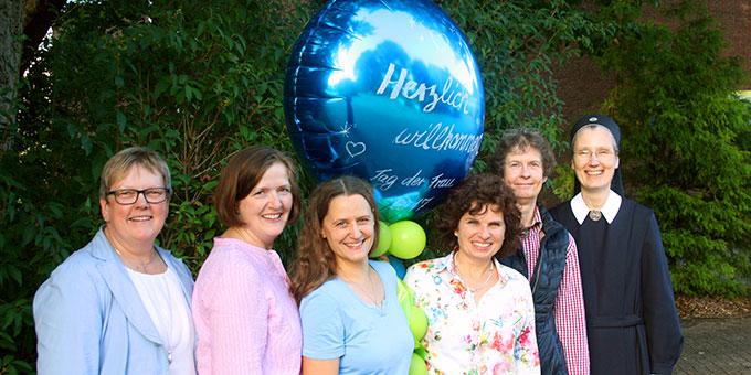 Das Tag-der-Frau-Team: Maria Peitz, Annegret Gausling, Miriam München, Dorothee Bößing, Charlotte Wilms, Schw.Marie-Jeannette Wagner (Foto: M. Peitz)