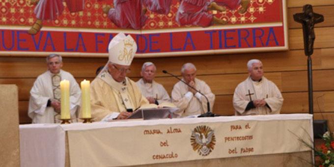 Erzbischof Monseñor Ricardo Ezzati von Santiago de Chile eröffnete den Kongress mit einem Gottesdienst (Foto: Schönstatt Mütterbund)