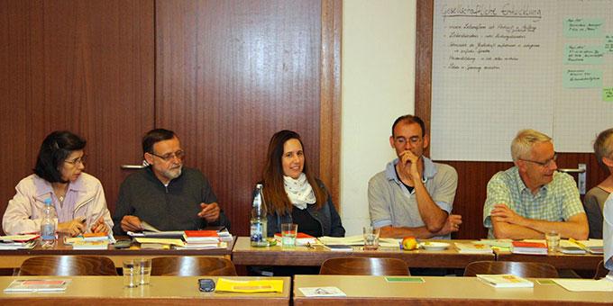 Intensive Gespräche in Arbeitsgruppen und Plenumsrunden (Foto: Mucha)