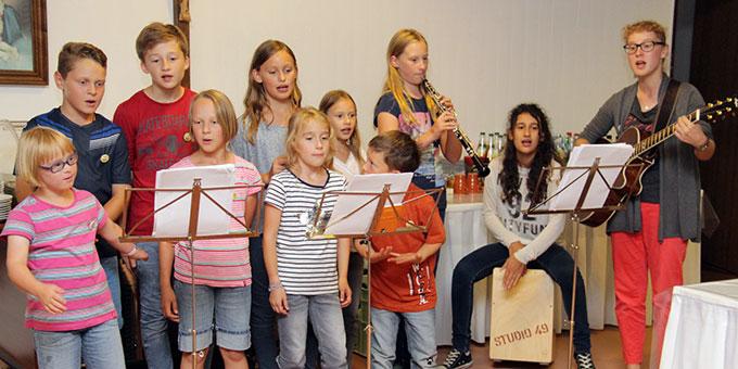 Die Kinderband gestaltete die Gottesdienste mit (Foto: Mucha)