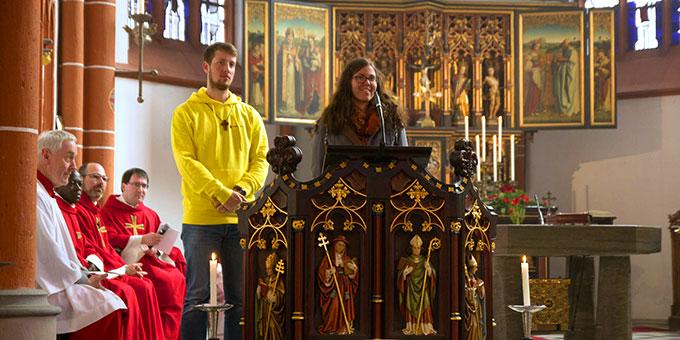 Zeugnis im Gottesdienst (Foto: misiones)