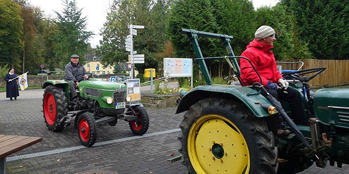 Die Traktorwallfahrer werden in Schönstatt herzlich willkommen geheißen (Foto: Trieb)