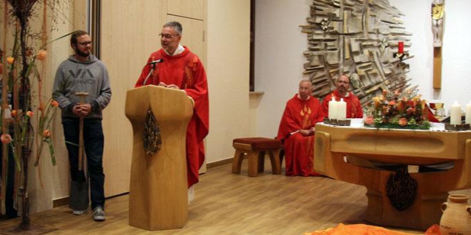 Pfarrer Lukas Wehrle, Diözesanleiter der Schönstattfamilie im Erzbistum Freiburg beim Bündnisgottesdienst am 18. Oktober in Oberkirch (Foto: Roman Vallendor)