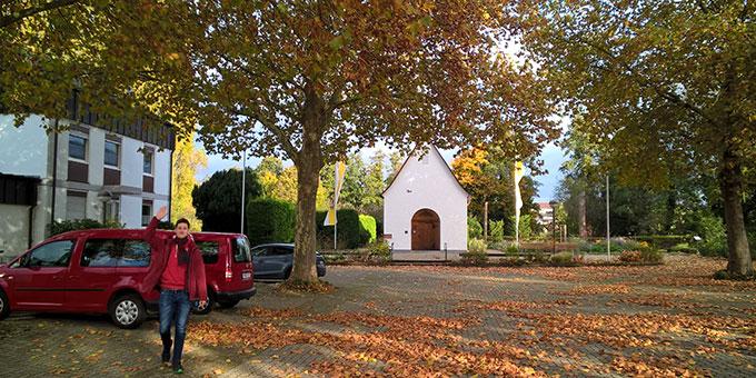 Treffpunkt war beim Schönstatt-Heiligtum in Herxheim (Foto: Bechtold)