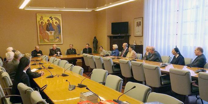 Im Gespräch bei der Vatikanbehörde für Laien, Familie und Leben (Foto: Neiser)