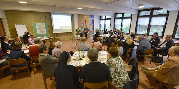 """Die """"Jahreskonferenz"""" der Schönstatt-Familienbewegung tagt im Haus der Familie, Vallendar-Schönstatt (Foto: Kroeper)"""
