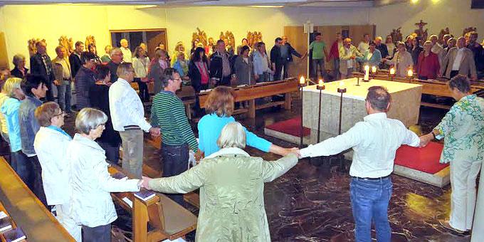 Montagsgebet in der Unterkirche der Krönungskirche/Liebfrauenhöhe (Foto: Montagsgebet)
