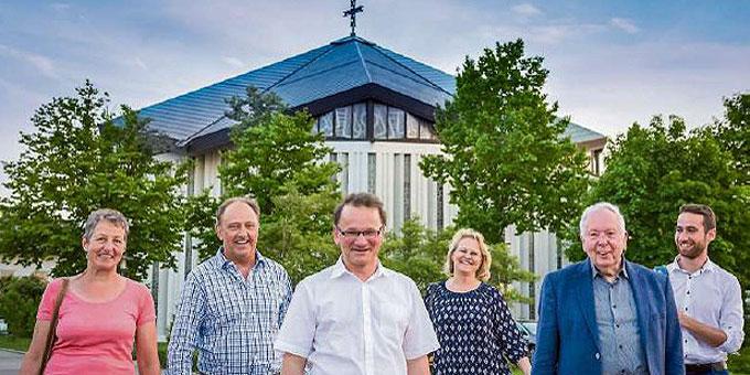 Initiatoren des Montagsgebets mit Pater Dr. Lothar Penners (Foto: Montagsgebet)