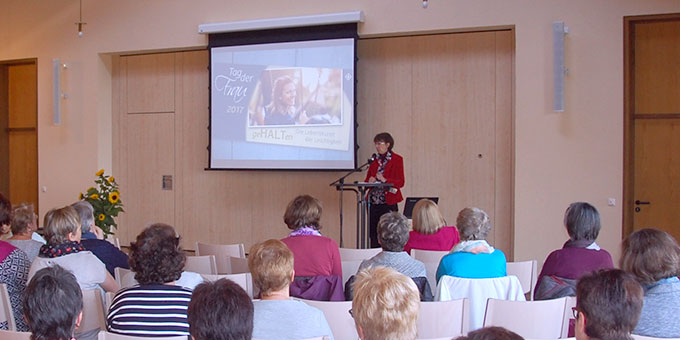 """""""Tag der Frau"""" im neu gestalteten Vortragssaal im Schönstatt-Zentrum Oberkirch (Foto: Brehm)"""