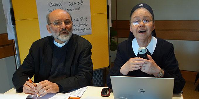 Sr. M. Cacilda Becker, Brasilien, und Pater Heinrich Walter, Deutschland/Rom, internationale Koordinationsstelle der Schönstatt-Bewegung, hatten die Leitung des Treffens (Foto: IKS)