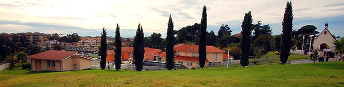 Blick Richtung Süden; links im Vordergrund die Casa dell'Alleanza (Foto: Brehm)