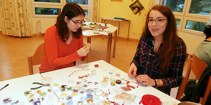 Perlenschmuck herstellen - Kreativ-Wochenende für junge Frauen (Foto: Andrea Wehner)