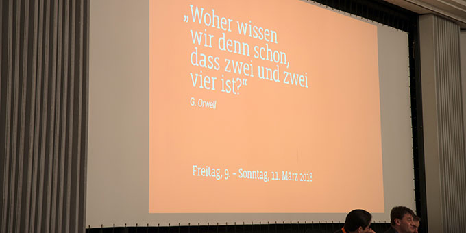 Themenankündigung beim Rhein-Meeting 2017 (Foto: Rhein-Meeting)