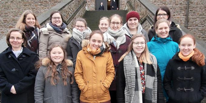 """Die Teilnehmerinnen an """"Büffeln und Beten"""" (Foto: Dold)"""