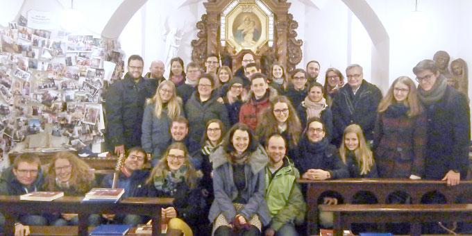 """Junge Paare, die am letzten """"beziehungsweise""""-Treffen in Schönstatt/Vallendar teilgenommen haben (Foto: Junge Frauen Team)"""