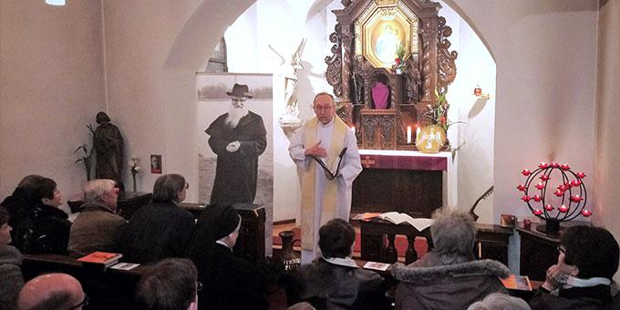 Speyerer Schönstattfamilie feiert Krönungserneuerung auf dem Weg zum 50. Jubiläum der Einweihung des Schönstatt-Heiligtums in Herxheim (Foto: Dejon)