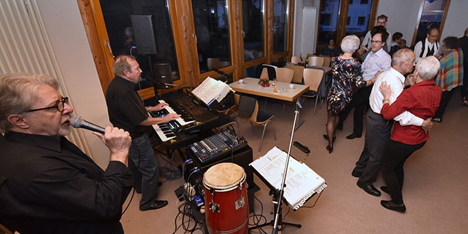 "MarriageWeek Herxheim: tea dance mit live music von ""take time"""" (Foto: Klaus Kröper)"