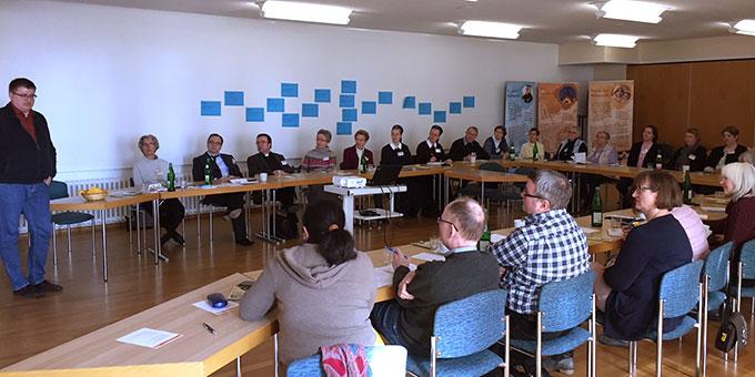 Eine große Runde beim Vorbereitungstreffen der Schönstattbewegung der Diözese Münster für den Katholikentag (Foto: Wanschura)