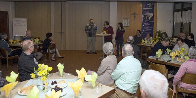 Abendprogramm: Tobias Brehm bietet eine Weinprobe mit deutschen Weinen an (Foto: Lilek)