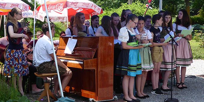 Musikalische Gestaltung der Maiandacht zum Abschluss (Foto:  M. Semmelbauer)