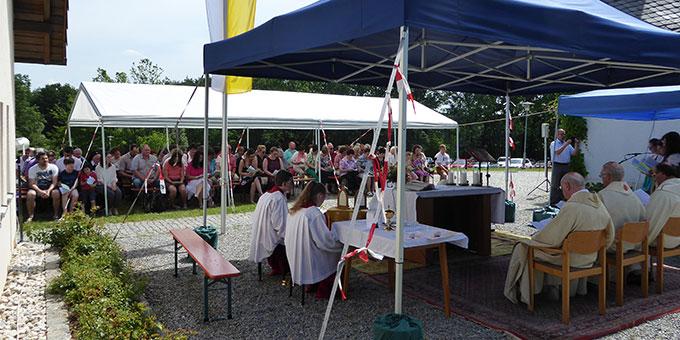 Ein Kapellchenfest bei bestem Wetter (Foto:  M. Semmelbauer)