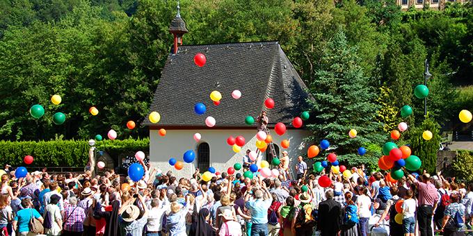 Fröhliche Stimmung zum Abschluss des gelungenen Familienfestivals in Schönstatt/Vallendar (Foto: Brehm)