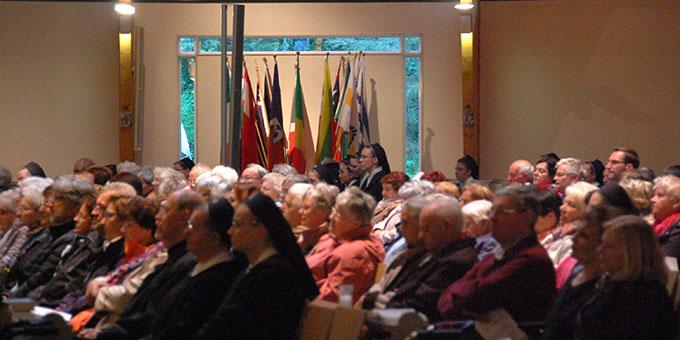 Rund 300 Pilger kamen zur Maieröffnung nach Schönstatt (Foto: Brehm)