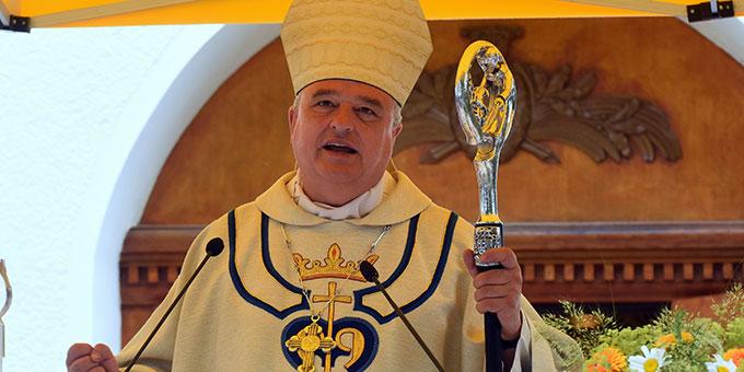 Diözesanbischof Dr. Karl-Heinz Wiesemann bei der Predigt (Foto: Klaus Kröper)