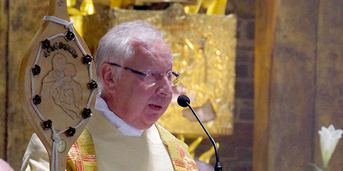 Monsignore Dr. Peter Wolf hält die Festpredigt (Foto: Neiser)