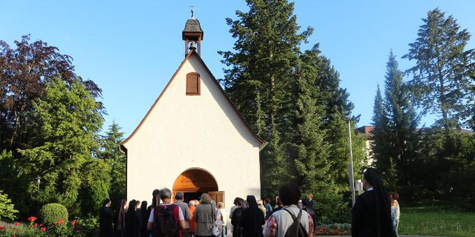 Erneuerung des Liebesbündnisses am Heiligtum (Foto: Jung)
