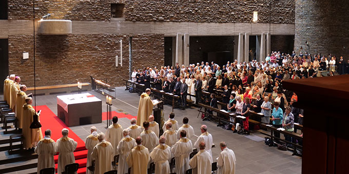 Festgottesdienst mit Bischof Dr. Stephan Ackermann, Trier, in der Jubiläumskirche (Foto: FM Cooper)