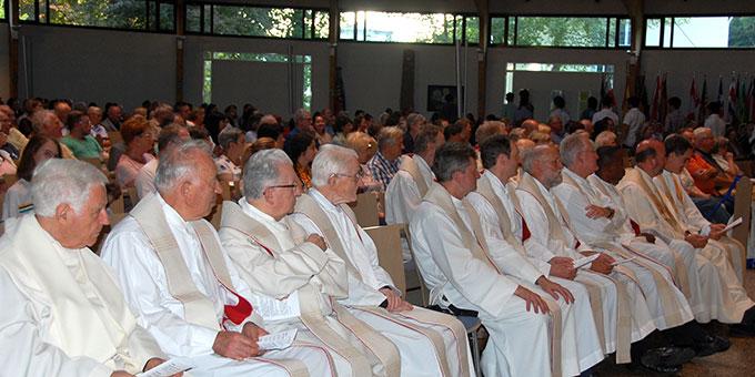 Viele Priester konzelebrierten (Foto: Brehm)