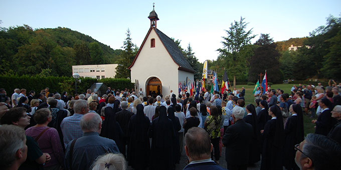 Zum Abschluss: Bündniserneuerung am Urheiligtum (Foto: Brehm)