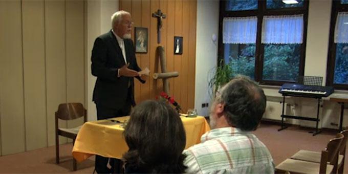 Pater Elmar Busse beim Abendtalk im September im Haus der Familie, Schönstatt, Vallendar (Foto: schoenstatt-tv)