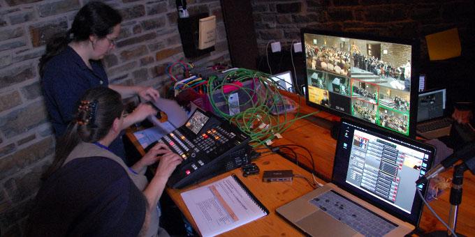 Das Team von Schönstatt-TV sorgte für die internationale Übertragung der Feier im Internet (Foto: Brehm)