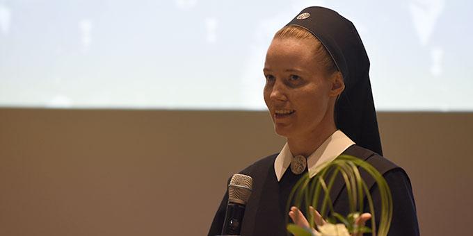 Schwester Francine-Marie Cooper hat den Film als Projektarbeit im Rahmen ihres Kommunikationsdesign-Studiums produziert (Foto: Kröper)