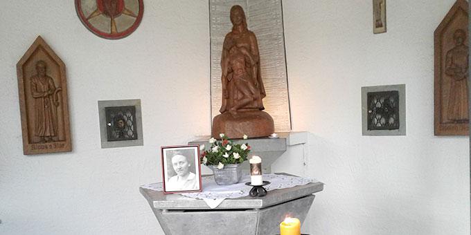 Foto von Gertraud von Bullion in der Friedenskapelle in Bad Lippspringe (Foto: Windoffer)
